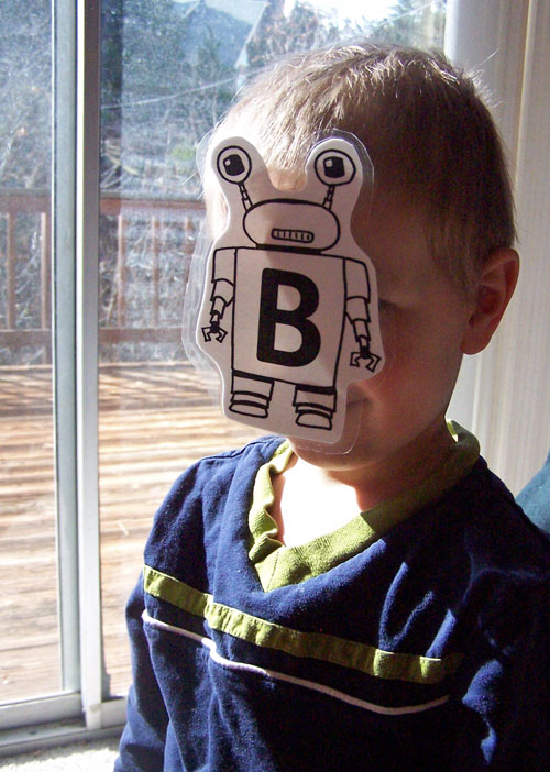 Free Robot Printable + Fun ways to teach ABCs www.createinthechaos.com