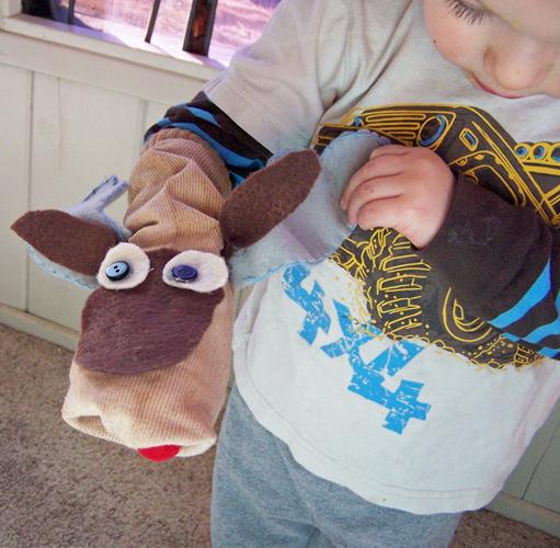 Cute moose sock puppet tutorial! www.createinthechaos.com