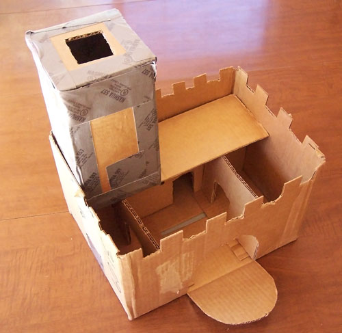 Mini Cardboard Castle Kids Craft www.createinthechaos.com