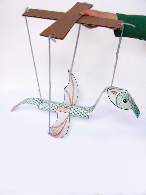Printable dragon marionette craft for kids www.createinthechaos.com