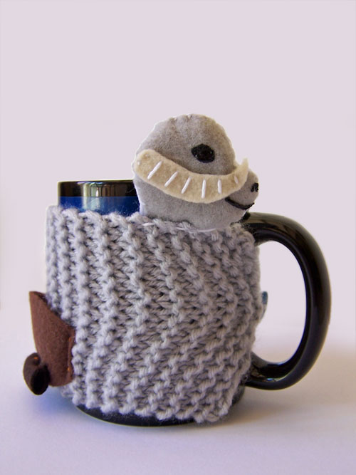 Star Wars Knit Mug Cozy Tutorial