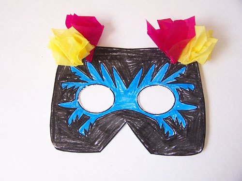 A fun kids craft- Printable jungle animal masks. Toucan and monkey masks www.createinthechaos.com