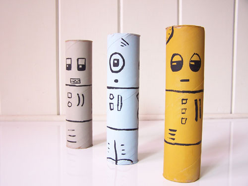 Super simple project - cardboard tube robots from paper towel rolls www.createinthechaos.com