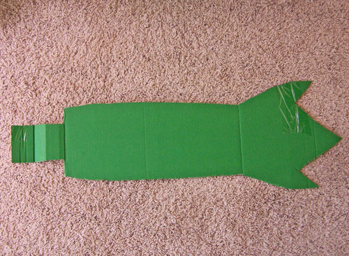 Great kids costume - DIY Cardboard box dragon costume tutorial www.createinthechaos.com