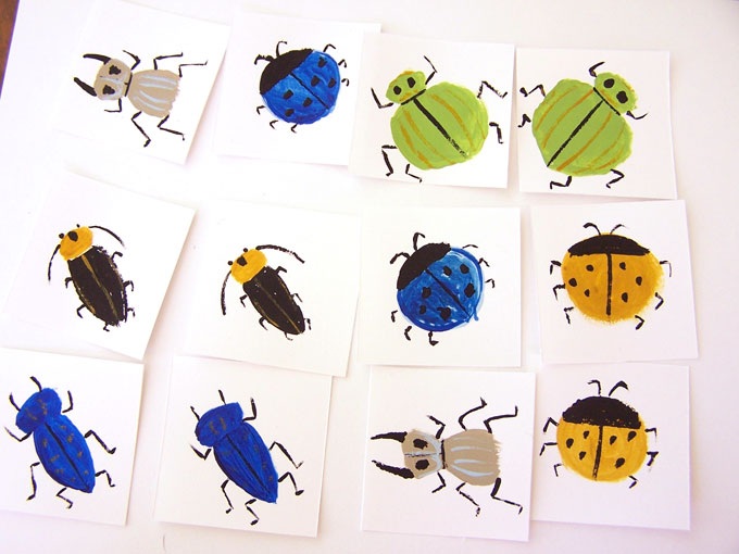 Learn how to make this simple DIY bug memory game for kids with this simple tutorial. My boys had so much fun playing this matching game! www.createinthechaos.com