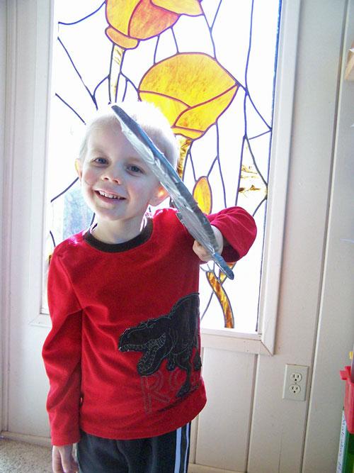 kids-cardboard-pirate-sword