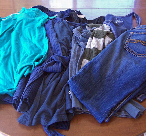 How to find cute, cheap clothes - Thred Up review www.createinthechaos.com