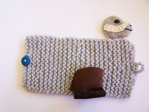 Awesome Star Wars knit mug cozy - pattern for Chewie and a Tauntaun. www.createinthechaos.com