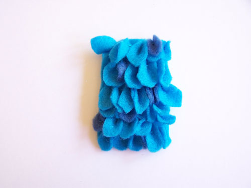 So cute and easy to make! Felt monster finger puppets with pattern www.createinthechaos.com