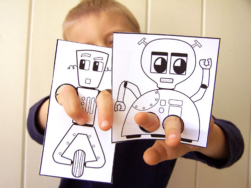 Easy kids craft - printable robot finger puppets www.createinthechaos.com