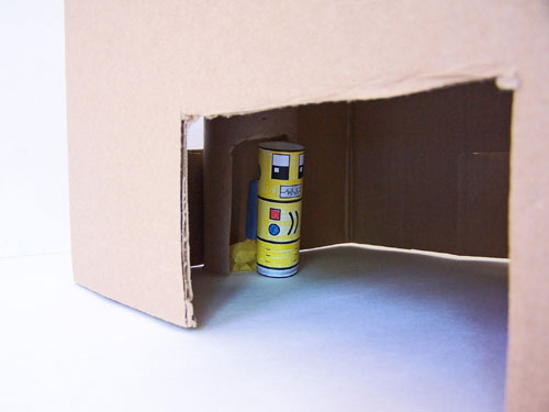 Easy kids craft - Egg carton spaceship and cardboard house, for creative play www.createinthechaos.com