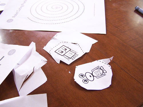 Such a cute and fun way to teach kids cutting skills - Free printable robot cutting practice sheets www.createinthechaos.com